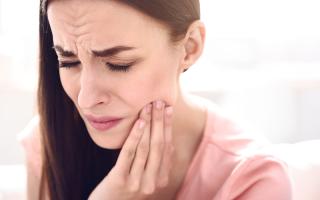 На какие точки нажимать при зубной боли