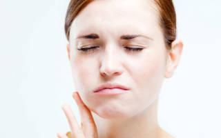 Опухла щека внутри рта