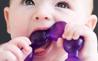 Как узнать что лезут зубы у ребенка
