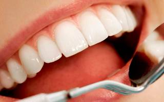 Отбелить зубы перекисью – преимущества и недостатки